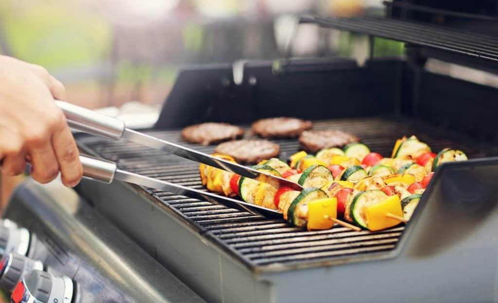 best gas grills under 300 4
