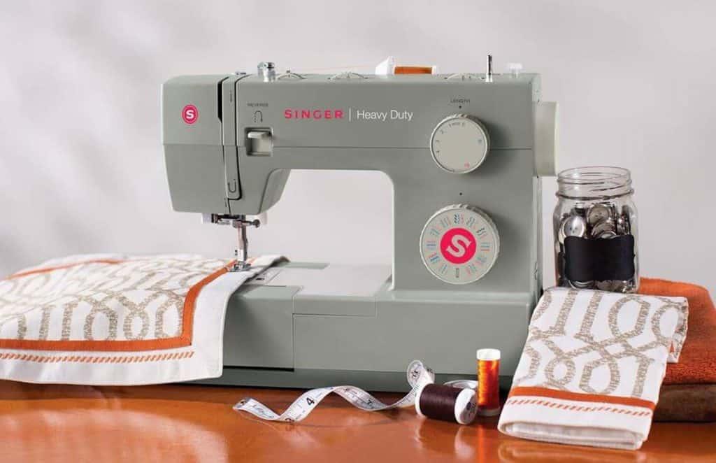8 Best Sewing Machines Under 200 -1