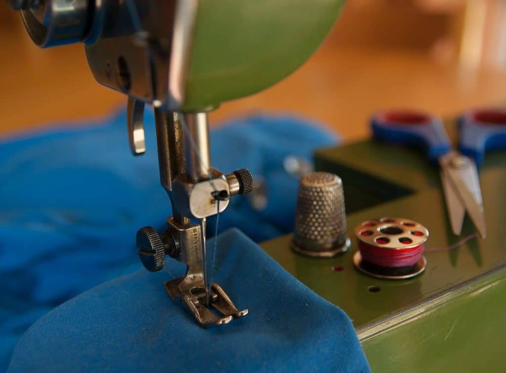 9 Best Mini Sewing Machines -1