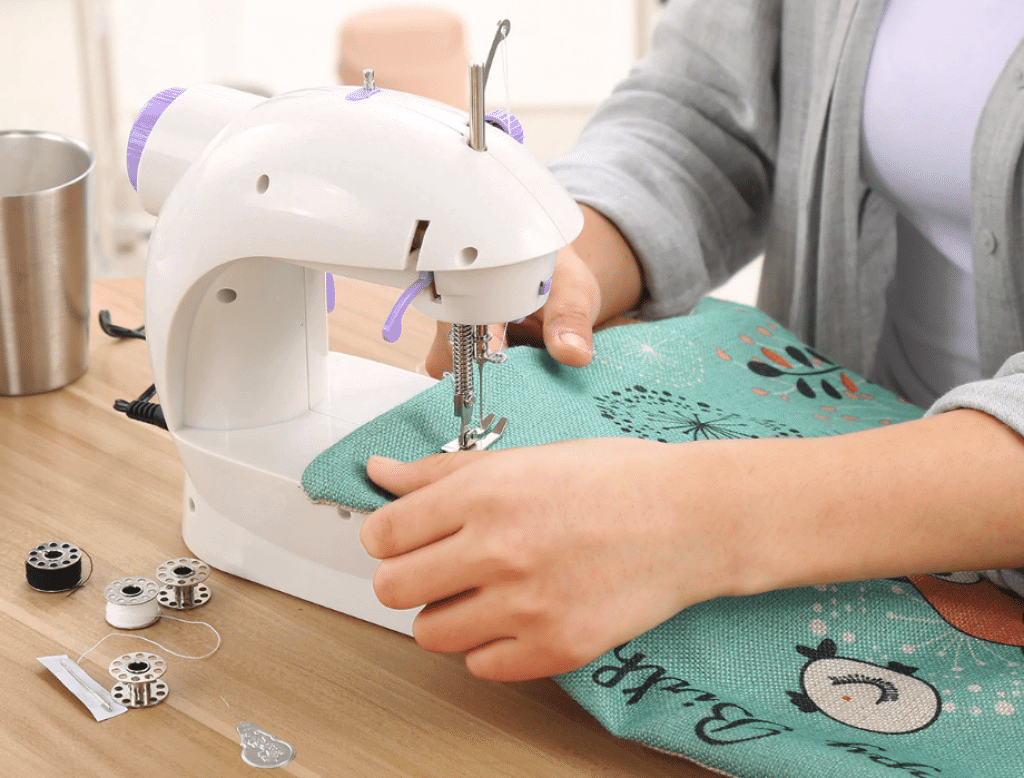 9 Best Mini Sewing Machines