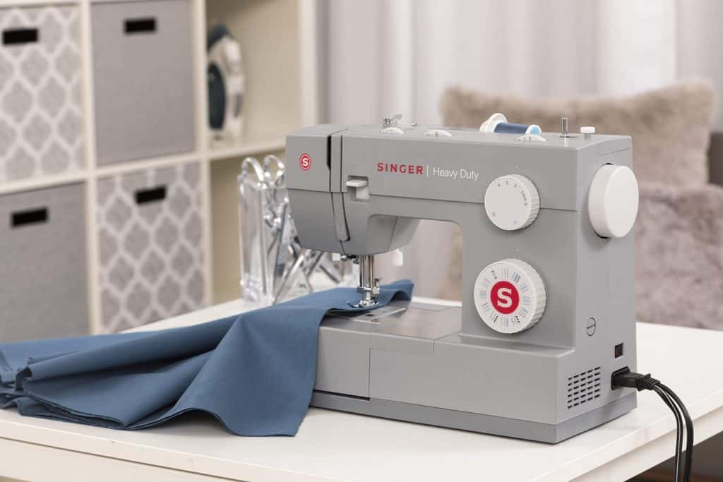 9 Best Mini Sewing Machines -5