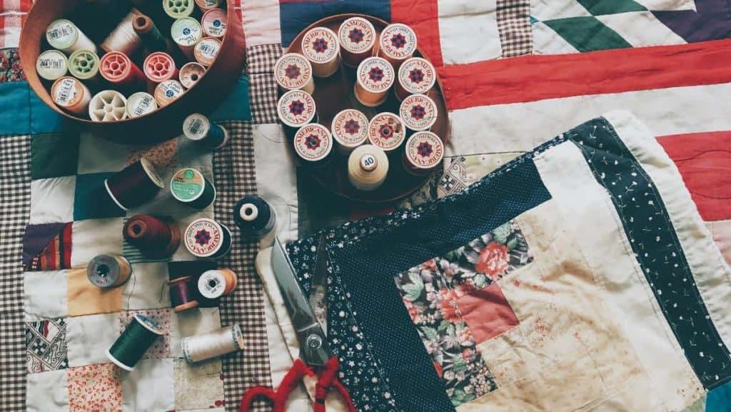 9 Best Mini Sewing Machines -6