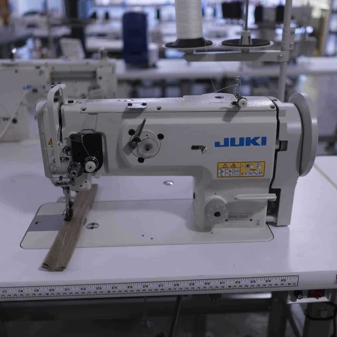 10 Best Industrial Sewing Machine -4