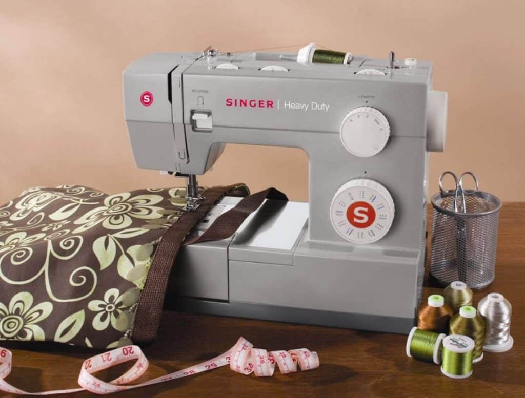 9 Best Vintage Sewing Machines for Leather-4
