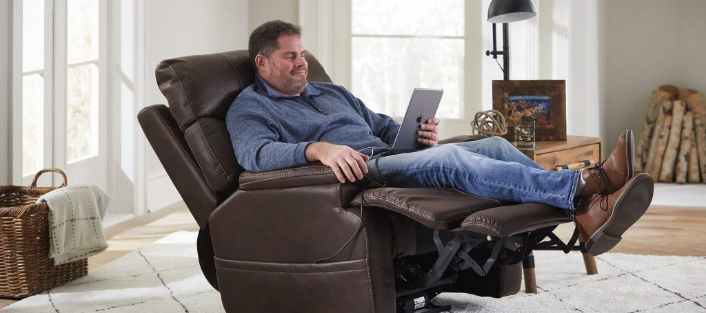 12 Best Recliners For Tall Men-2
