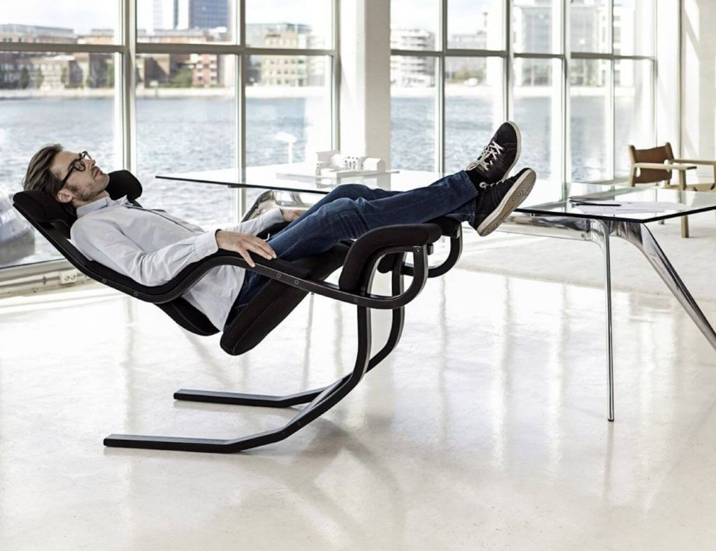 10 Best Zero Gravity Chairs For Back Pain-3