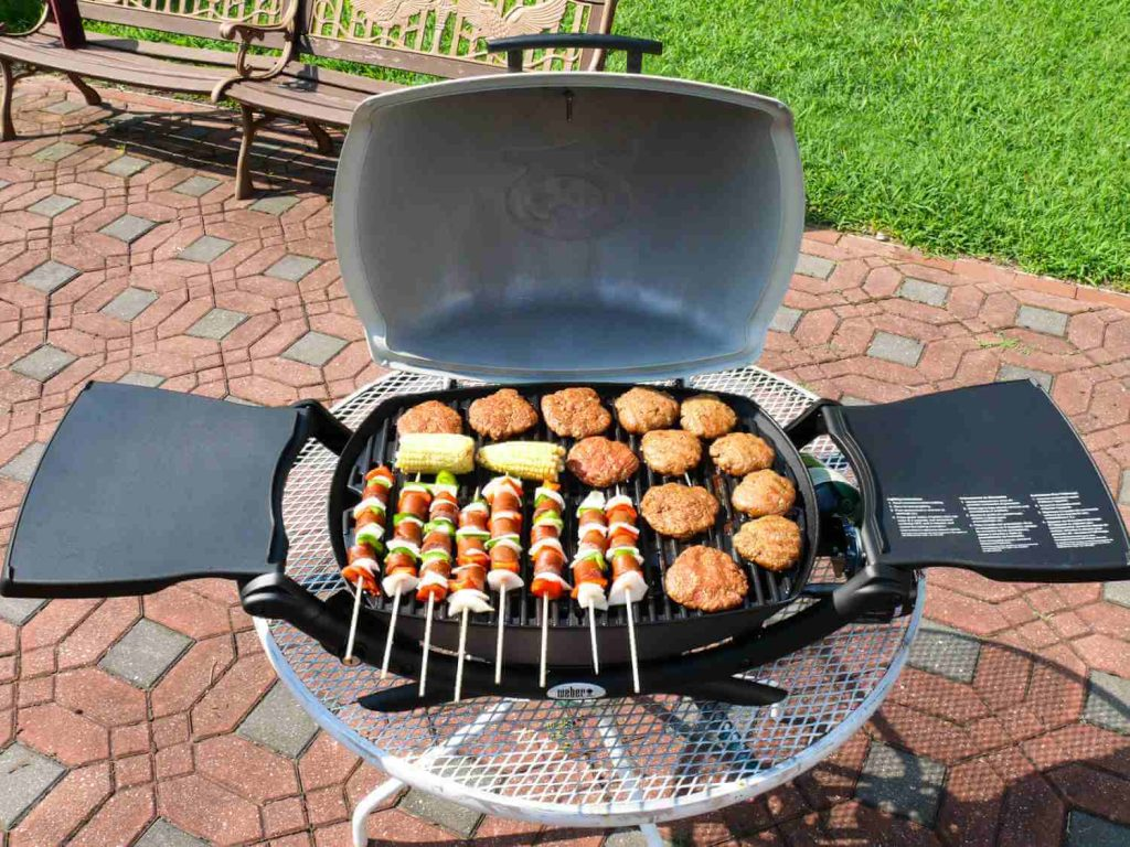 7 Best Small Gas Grills -4