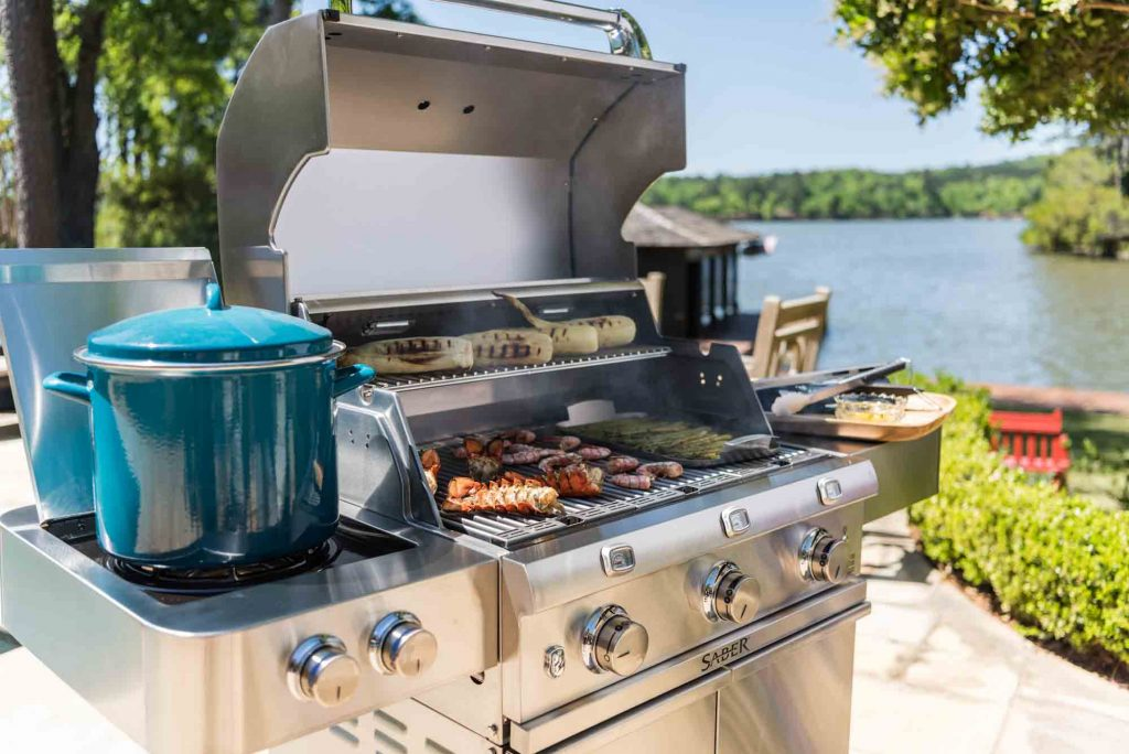 9 Best 3-Burner Gas Grills-1