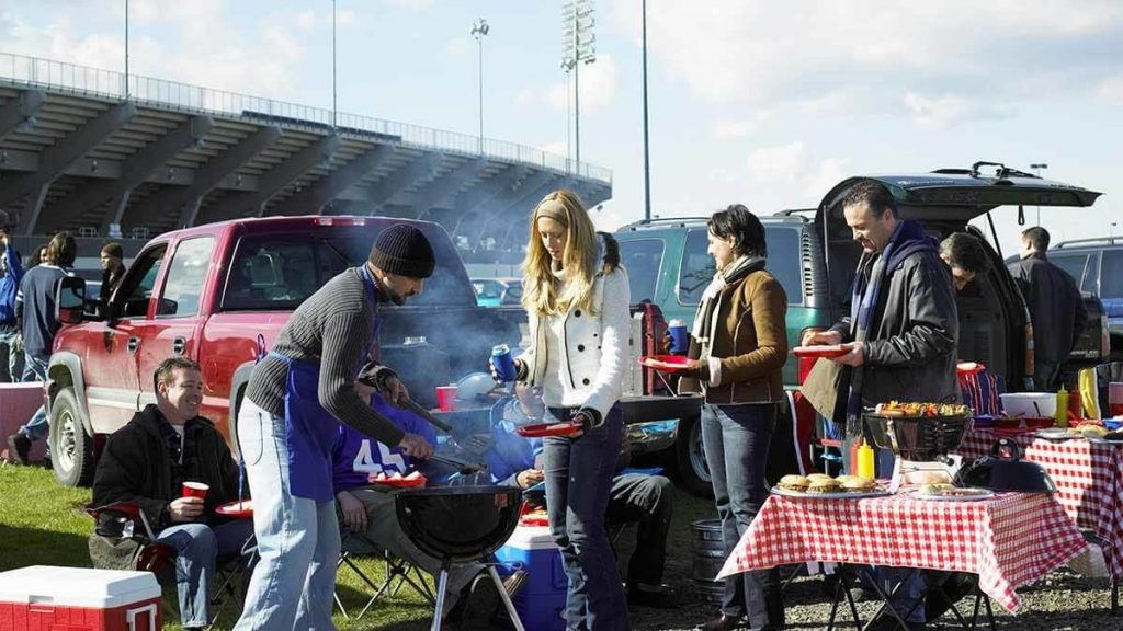 9-Best-Portable-Gas-Grills-For-Tailgating-11