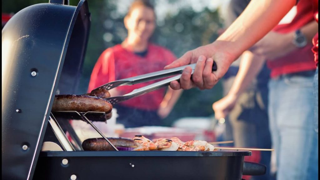 9 Best Portable Gas Grills For Tailgating-4