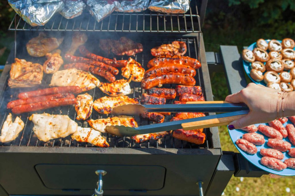 9 Best Portable Gas Grills For Tailgating-5