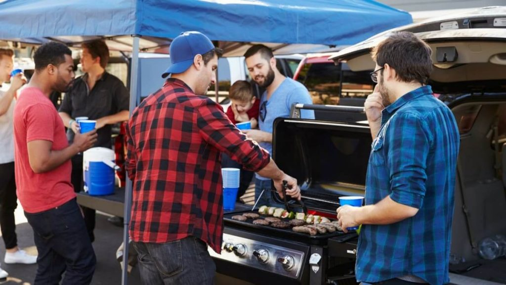 9-Best-Portable-Gas-Grills-For-Tailgating-88