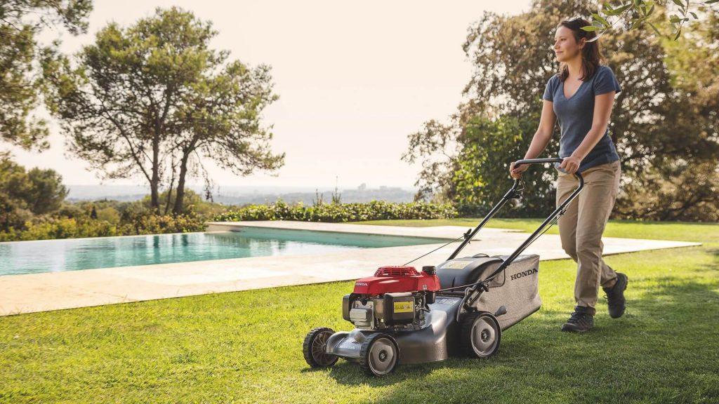 9 Best Lawn Mowers Under $300-1