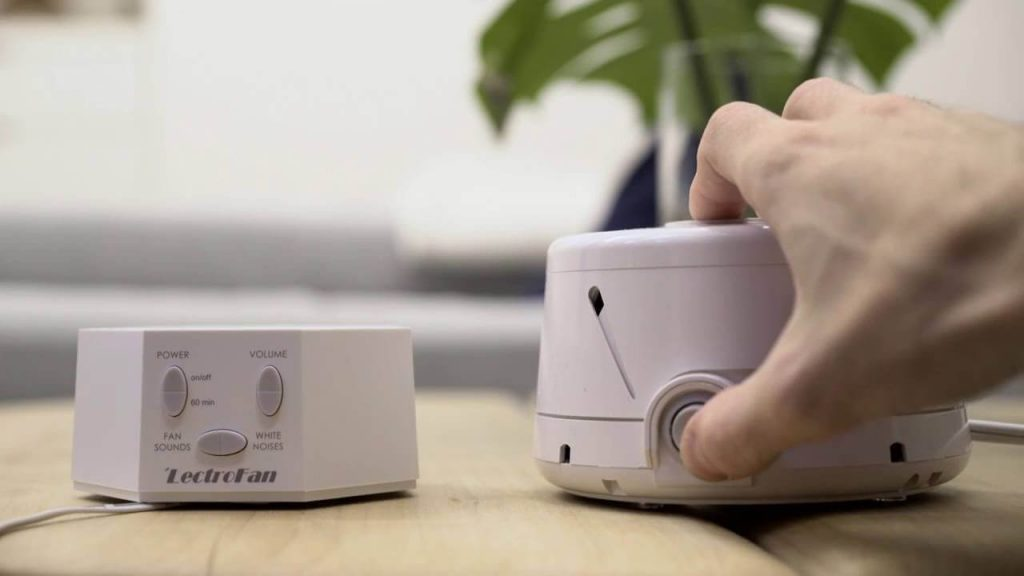 9 Best White Noise Machines For Sleeping-3